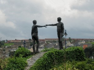 'Hands across the divide' sculpture, city of Derry